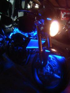 светодиодная подсветка на мотоцикле Hornet